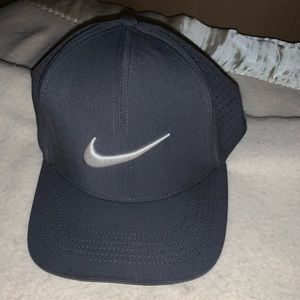 Nike dri fit fitted hat. Size M/L
